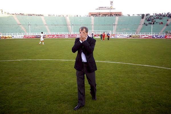 مایلی کهن: الان مشکل فوتبال، ورود زنان به استادیوم است؟