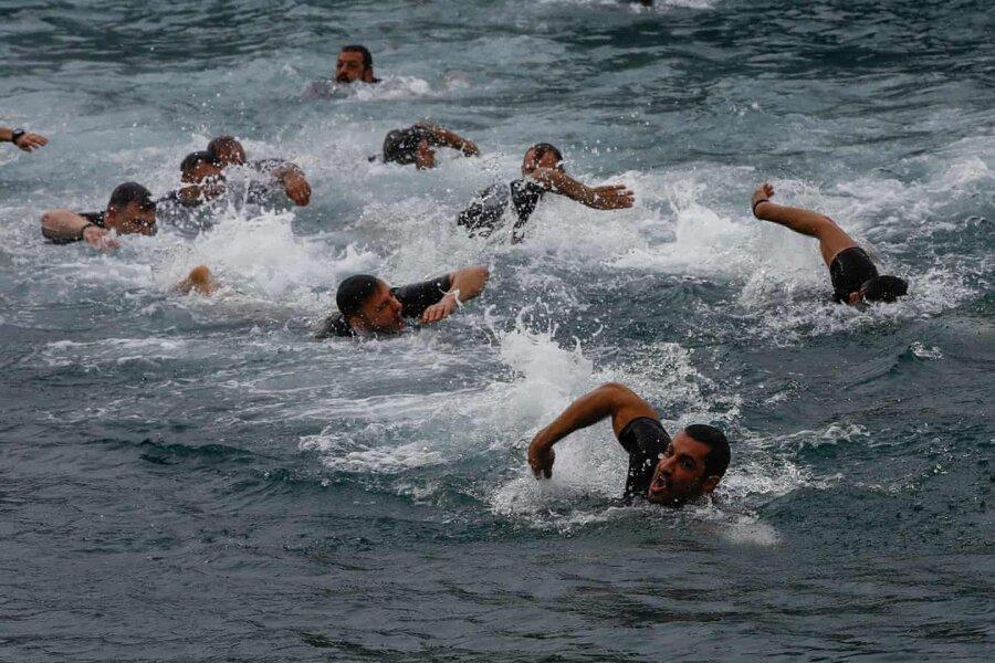 عکس روز، شنا در عید اپیفانی