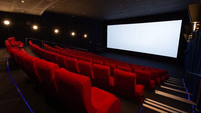 ادامه نمایش فیلم ها در پردیس زندگی ، حادثه مختصر بود
